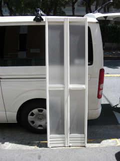 浴室ドア用樹脂パネル(2�_厚)施工後